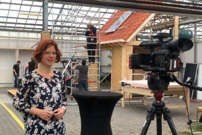 Wethouder linda voortman opent beroepentuin Overvecht 29 juni 2020